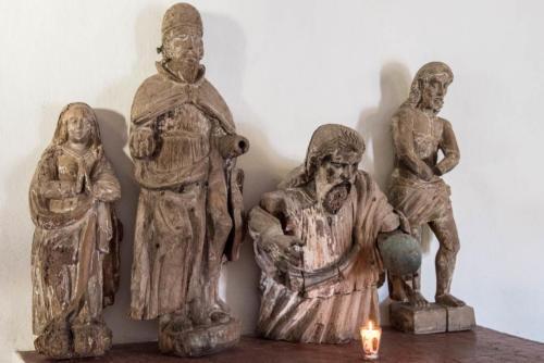 Scuplture bois dans l'église de Santa Catarina Palopo