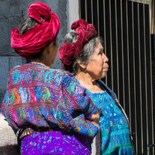 Vêtements et coiffures traditionnels  de Santa Catarina Palopo