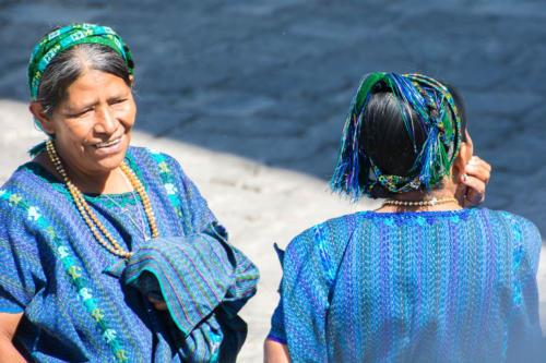 Le magnifique bleu des habits traditionnels de San Antonio Palopo