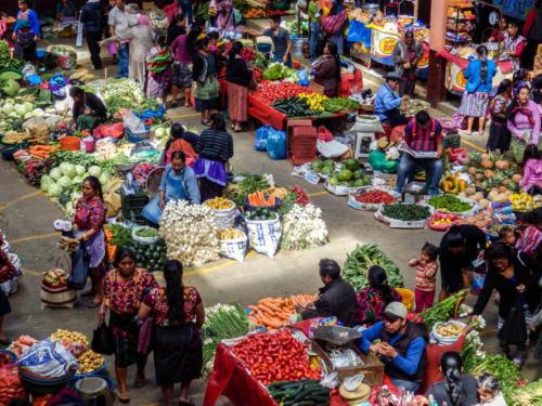 Couleurs au marché de Chichicatenango