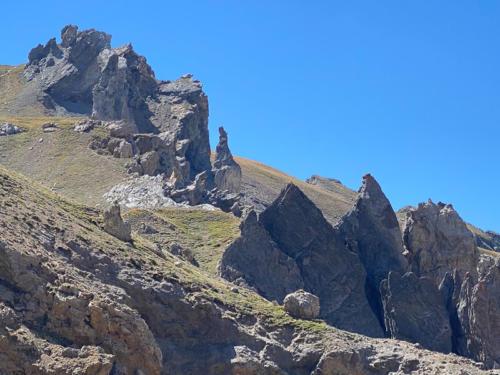 Mercantour, lacs de Vens -  formations rocheuses au col de Fer